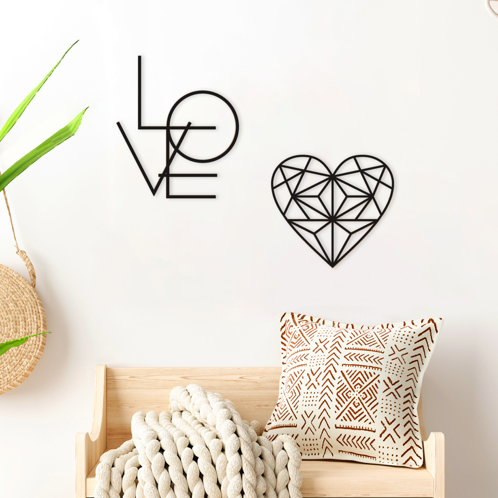 Kit Decorativo para Parede Love is in the Wall