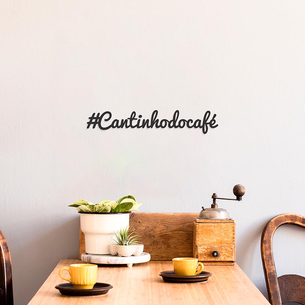 Lettering de Parede Cantinho do Café é uma ótima opção para destacar esse espaço na cozinha ou sala de jantar.